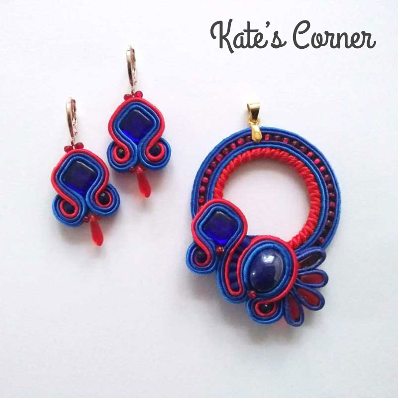 Red-blue jewellery set