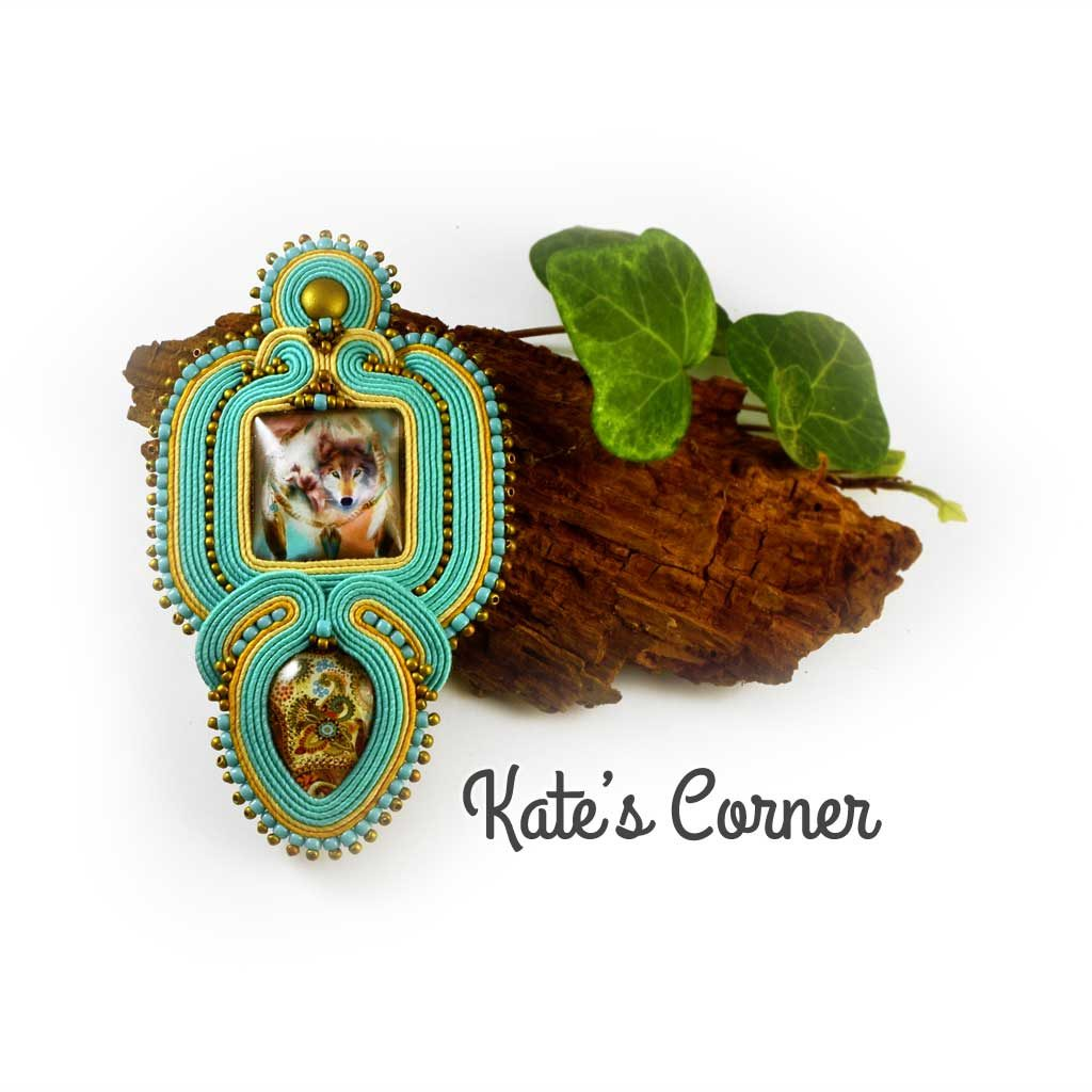 Soutache pendant with wolf