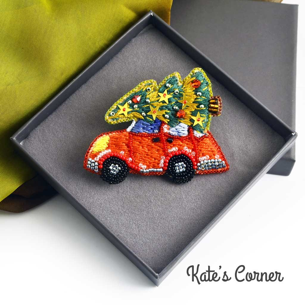 Xmas car brooch